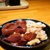 とん八 - 料理写真:レバ(330円)、しろ(350円)