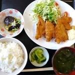 食堂関山 - キスのフライ定食
