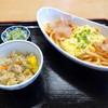 麦挽屋 今助 - 料理写真:キムトマうどん 680円 五目ご飯付き