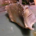 第三春美鮨 - 小肌 34g 投網漁 太良大浦       一枚付で小さいが、実に脂のりがよく、甘い!