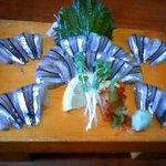竹善 - キビナゴの刺身は