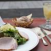 カフェ リゼッタ - 料理写真:ランチのハムとグリュイエ-ルチーズサラダ&リンゴジュース