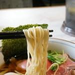 中華そば 四つ葉 - 麺のアップ