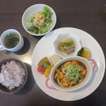 きえん - 料理写真:小海老とキノコのチリソース+ドリンク・デザート 1100円