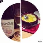 新宿ワイン酒場 - 白ワイン、スクランブルエッグ