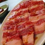 焼肉テグ - 料理写真:牛カルビ