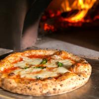 薪窯で焼きあげる『絶品Pizza』☆