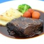 銀座 スウィング - 牛ホホ肉の赤ワイン煮