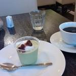 31373703 - ランチの抹茶プリン&ホットコーヒー