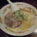 北海道ラーメンひむろ  - 【再訪】塩(麺硬め、味濃いめ、油少な目、ワカメ抜き)