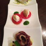 ヴィーノロマンティカ - 野菜のマリネ、スモークしたモッツアレラのカプレーゼ、鯛のマリネ
