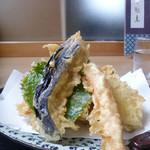 31398292 - 季節の野菜天ぷら 500円