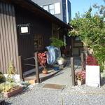 カフェ シュトラッセ - 外観写真:お店入り口。