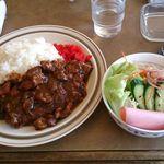 びぃっく - 料理写真:カツカレー(サラダ付) 700円
