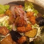 タモーチェ - 揚げ鶏と揚げナスと揚げジャガ