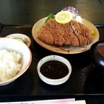 とんかつあかいし - 料理写真:中ロースカツ御膳 1500円