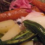 31488736 - 雑穀ご飯 アップ 目にも鮮やか ランチだとスープ付き