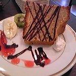 cafeルーム アスリート - 奥様手作りシュフォンケーキはオシャレであたたかい