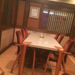 かぐら坂 志満金 - テーブル席