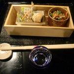 おばん菜 さけ 田 - 料理写真:突き出し と 純米酒 黒帯