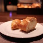 北新地 福多亭 - 自家製パン☆