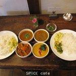 スパイスカフェ - 料理写真:ペアカレーランチ×2人分