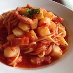 トップテラス2031 - ベーコン・ポテトのトマトソース
