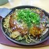 くいしん坊 - 料理写真:肉玉そばシングル