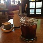 ヒンホイ - アイスコーヒー、チャイも選べました
