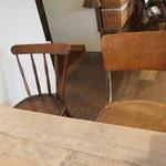 トワモワカフェ - 左右違う椅子がなんか良い感じでした
