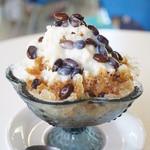 ウリウリカフェ - 黒糖味お豆さん+練乳(450円)