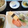 仲家 - 料理写真:にぎりランチ 700円+蕎麦に変更60円