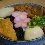滝音 - 【まかないぶっかけ@530円】 麺が見えないほどの具材♪