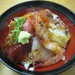 朝漁亭 丼 - ヨクバリ海鮮丼