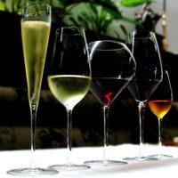 それぞれのワインに合った素敵なグラスで!