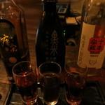 黒猫夜 - 紹興酒3種飲み比べ900円。