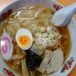 ラーメン金ちゃん - ワンタン麺(¥650)こんなに豪華なのにたった¥650也~♪