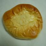 31858792 - ぎっしりクリームパン152円♪(外税)