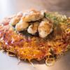 三匠 - 料理写真:広島産カキのせお好み焼き