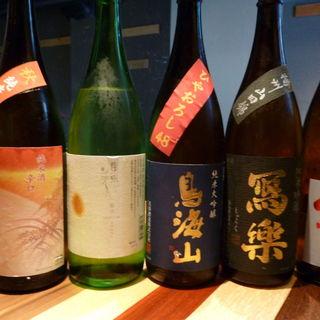 全国各地から取り寄せた日本酒たち