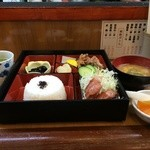 家庭料理 味彩 - 松花堂弁当800円です
