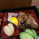 家庭料理 味彩 - メインの鶏のから揚げ