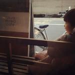 トワモワカフェ - お外のベンチ