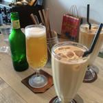 トワモワカフェ - ビールとメープルラテ