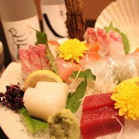 旬の活魚を使用した魚料理。