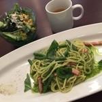 野菜のアイデケーノ - ランチメニューだったインゲンとベーコンのパスタ バジルソース