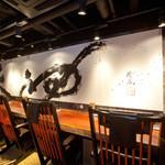 札幌 炎神 - 店内はラーメン屋とは思えないほどのオシャレ感