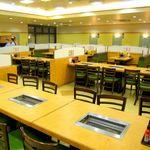 すたみな太郎 - 広い店内は大人数の会合やご宴会、打ち上げなどにもぴったりです!!(※店内は店舗によって異なります。)