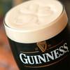 Irish pub Booties・・・ - 料理写真:シャムロックを描いているギネスビール
