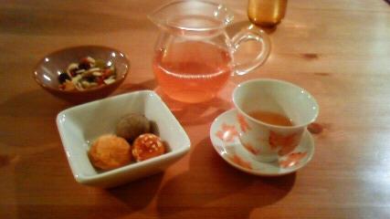 お茶と食料雑貨 ラサ
